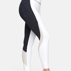 Black and white outdoor voices leggings